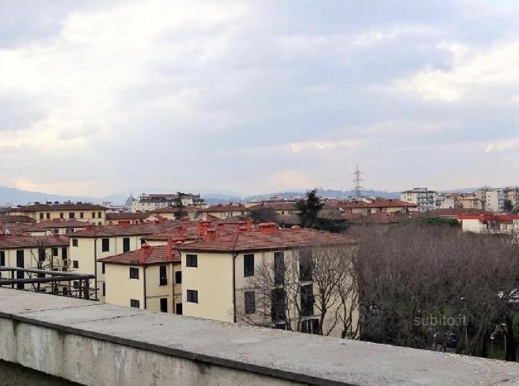 Toscana firenze firenze ponte di mezzo vendita vendesi for Garage con ponte in cima
